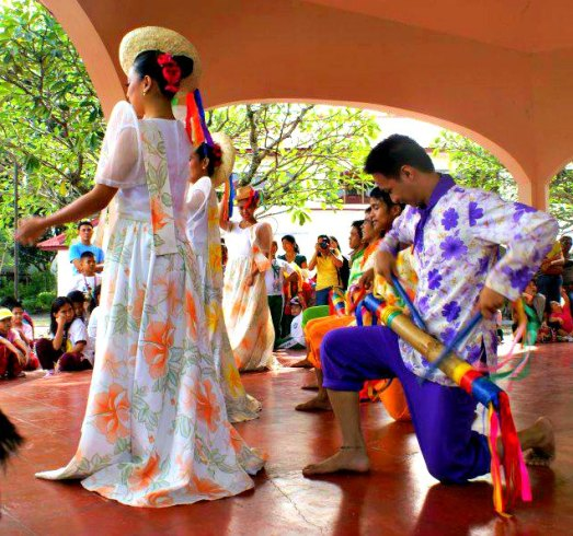 Sombrero Dance by the Nayong Pilipino Dance Troupe